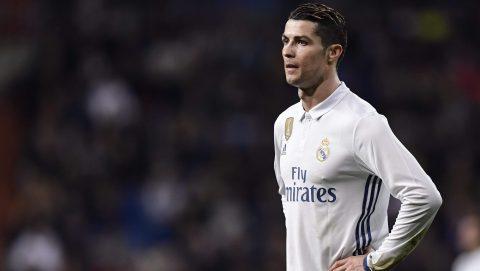 Ronaldo rời Tây Ban Nha: Real mất 1, La Liga mất 10