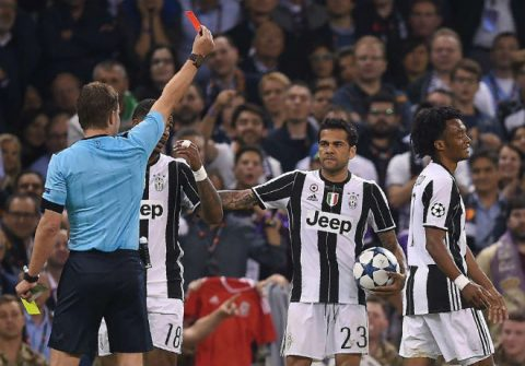 Thành Turin bị khủng bố trong ngày Juve vỡ trận
