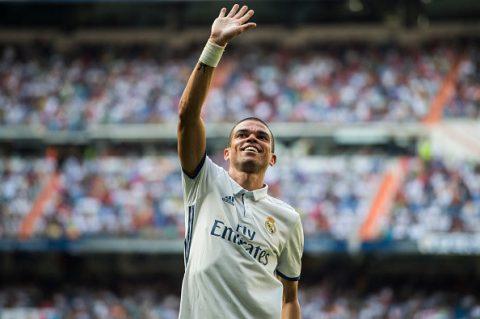 """""""Gã đồ tể"""" Pepe viết tâm thư chia tay Real"""