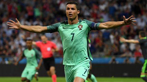 """Điểm tin sáng 25/6: Ronaldo sắp vượt mặt """"Vua bóng đá"""" Pele, hướng tới kỷ lục vĩ đại của huyền thoại Puskas"""