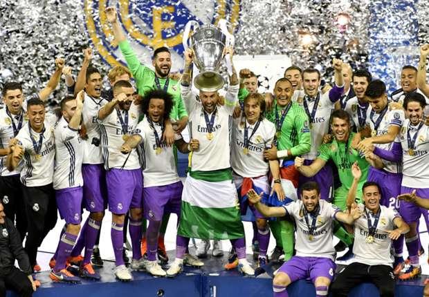 """Cầu thủ Real Madrid """"bơi"""" trong tiền sau cú đúp danh hiệu"""