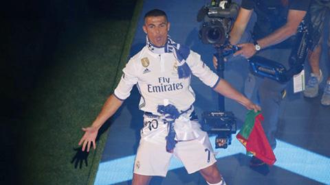 Ronaldo tự tin có Quả bóng vàng trong buổi lễ ăn mừng của Real