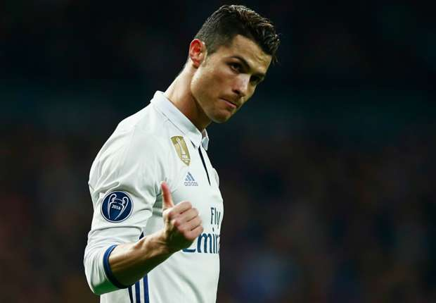Ronaldo chấp nhận nộp tiền để tránh phải ngồi tù