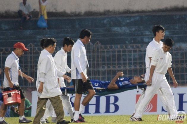 Trung vệ Quảng Nam dính chấn thương kinh hoàng trong khuôn khổ Cup Quốc gia