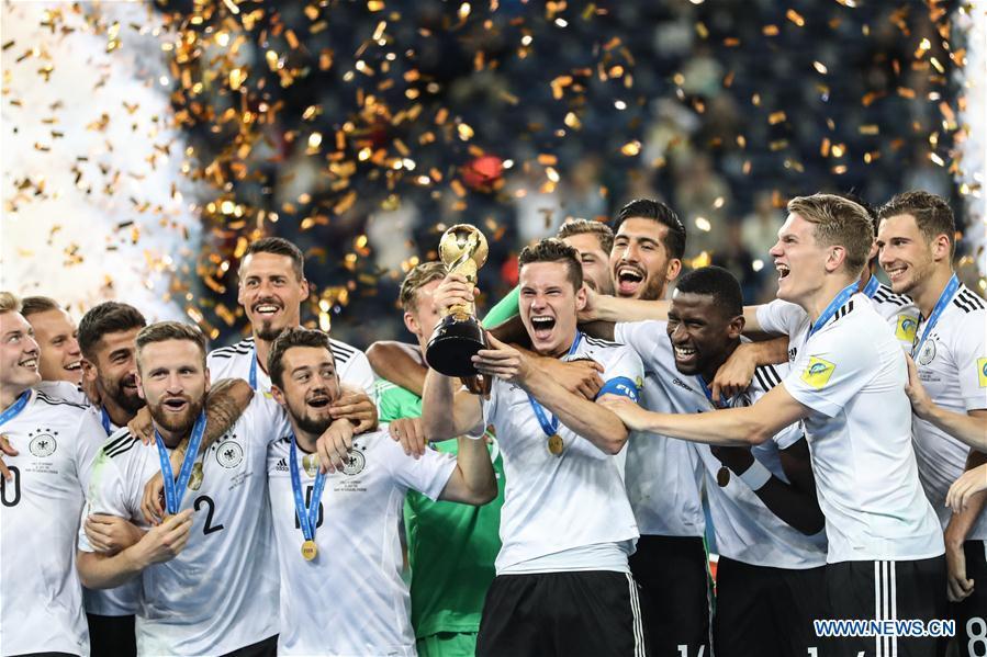 CHÙM ẢNH: Dàn sao tuyển Đức được chào đón như người hùng sau khi vô địch Confed Cup