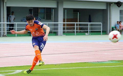 Xuân Trường bất ngờ nhận những đánh giá này từ chính HLV Gangwon FC