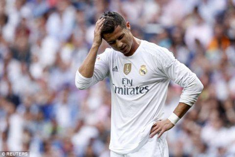Hết trốn thuế, Ronaldo lại bị cáo buộc phân biệt chủng tộc