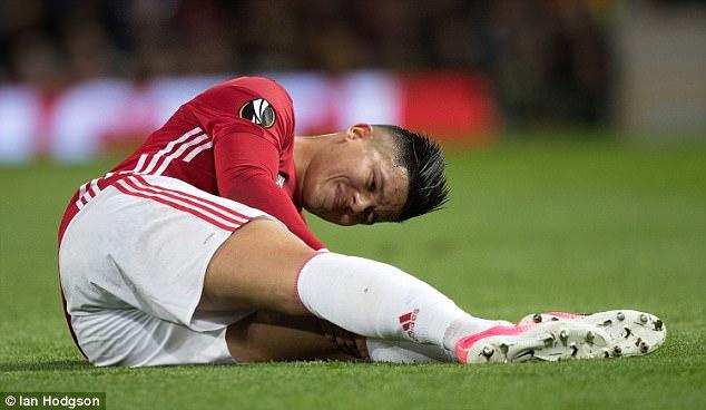 Fan M.U nhận tin cực buồn từ Marcos Rojo
