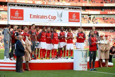 Tân binh đắt giá ghi bàn, Arsenal vẫn đăng quang Emirates Cup theo cách lạ thường