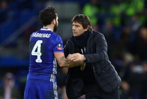 HLV Conte ra sức giữ chân Cesc Fabregas trước sự chèo kéo của đại gia Serie A