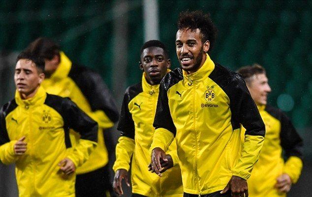 Gạt bỏ tin đồn, Aubameyang vẫn hăng say tập luyện cùng Dortmund