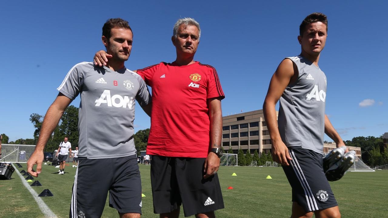 HLV Mourinho cập nhật tình hình chấn thương của Man Utd