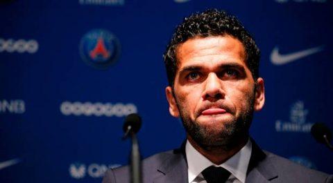 """Lật kèo"" Man City phút cuối, Dani Alves gửi lời nhắn nhủ tới Pep Guardiola"