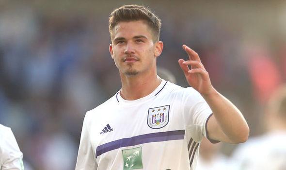 Anderlecht chính thức ra giá sao mai tiềm năng cho M.U