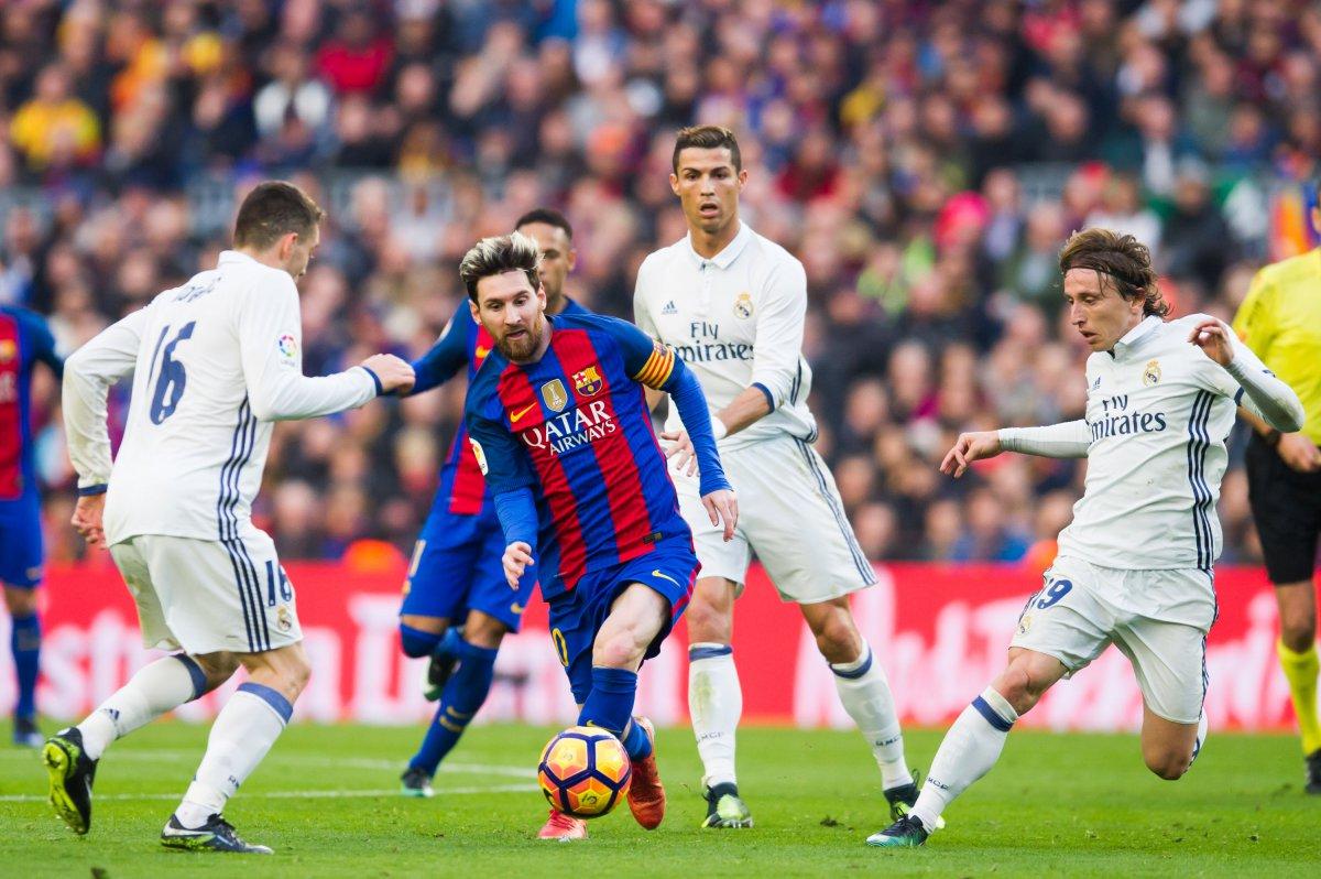 """Real Madrid vs Barcelona, 07h05 ngày 30/7: """"Xẻ thịt"""" Kền kền trắng"""