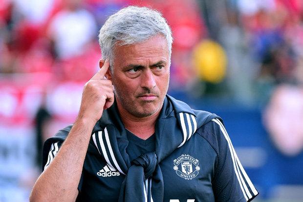 Jose Mourinho lý giải nguyên nhân không tung đội hình mạnh nhất đối đầu với Real