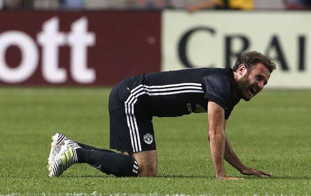Juan Mata bỏ lỡ đại chiến với Real Madrid và Man City