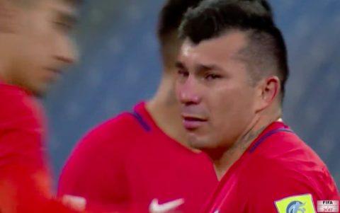 Chùm ảnh: Dàn sao Chile bật khóc sau thất bại trước người Đức
