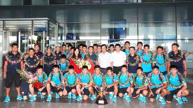 HLV Vũ Hồng Việt nói gì về bí quyết vô địch của U15 Việt Nam?
