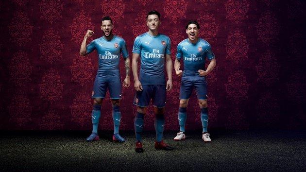 Arsenal ra mắt áo đấu sân khách mới theo phong cách hoài cổ