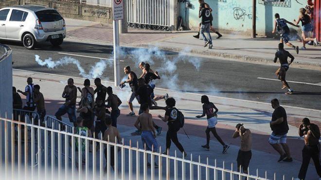 Nổ súng xảy ra trên sân cỏ Brazil khiến 1 người thiệt mạng