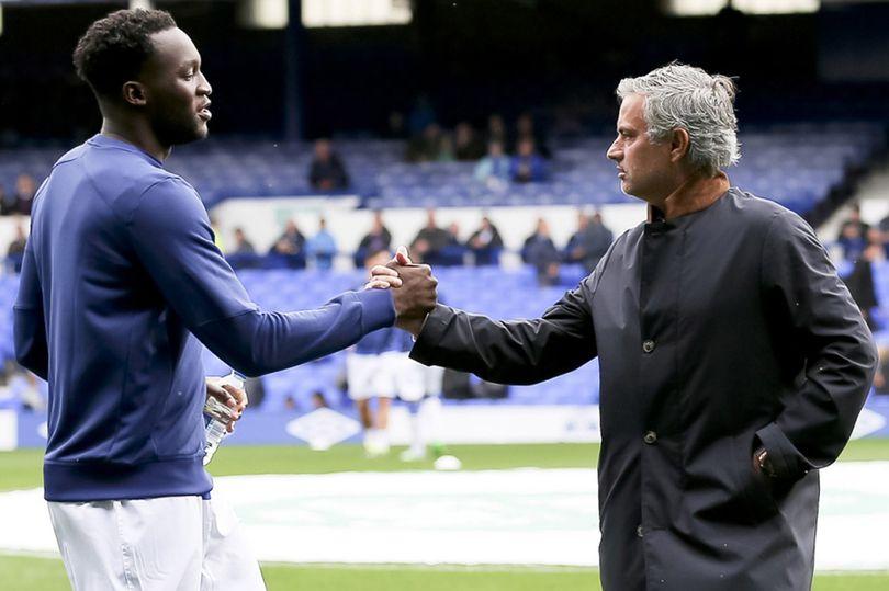 Câu nói nào của Mourinho khiến Lukaku bỏ ngay Chelsea để đến với Old Trafford?