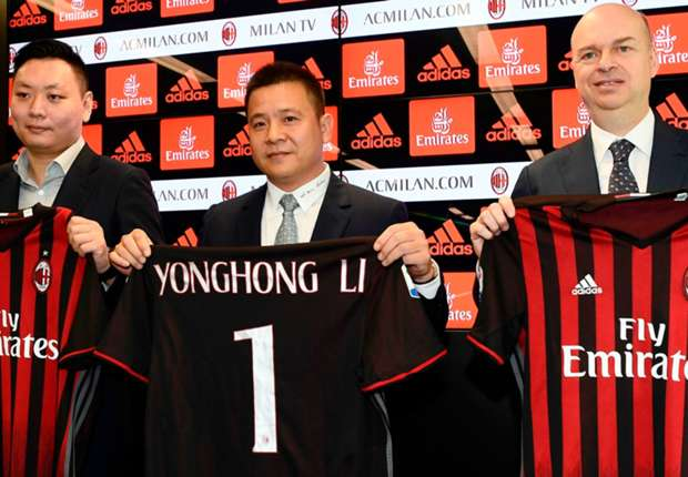 """""""Điên cuồng"""" mua sắm, kỷ nguyên Trung Quốc của Milan có rực rỡ như Berlusconi?"""