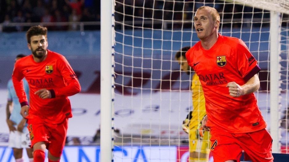 CHÍNH THỨC: Barcelona chia tay trung vệ thép