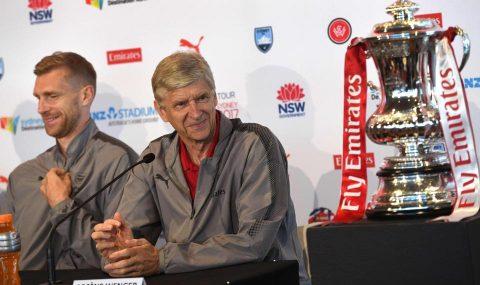 HLV Wenger lên tiếng chốt tương lai của Sanchez và Giroud