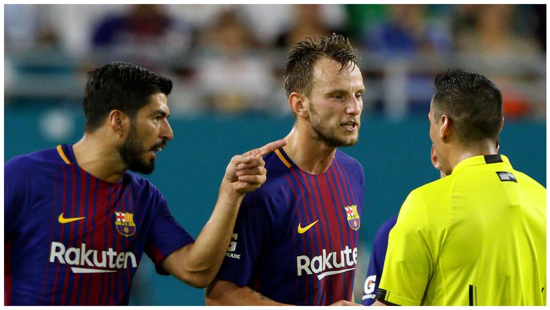 Sao Barcelona lên tiếng tố trọng tài lăng mạ mình