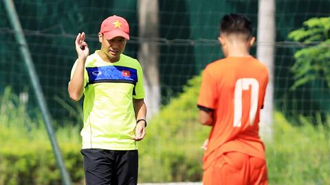HLV Vũ Hồng Việt bắt tay vào tuyển quân ngay sau chức vô địch U15 Đông Nam Á