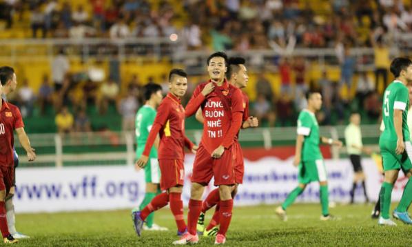 U22 Việt Nam lên ngôi đầu sau mưa bàn thắng vào lưới Macau