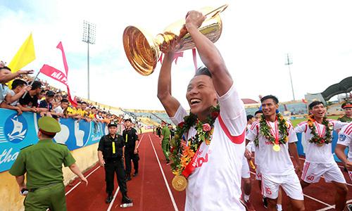 Nam Định chính thức trở lại V-League sau 7 năm vắng bóng