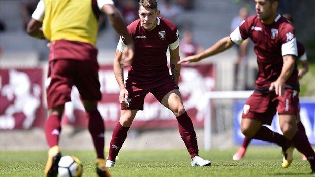 """Chùm ảnh: Belotti vui vẻ tập luyện cùng Torino trong """"tâm bão"""""""