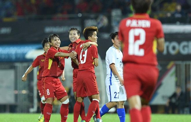 Vùi dập Malaysia 6 bàn không gỡ, ĐT Nữ Việt Nam vượt Thái Lan vô địch SEA Games 29