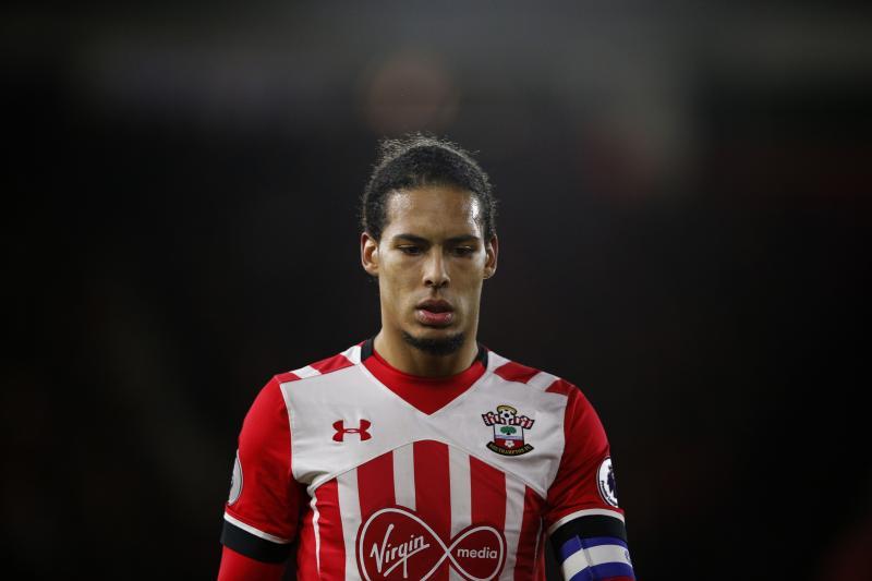"""Southampton tiếp tục """"gieo sầu"""" cho loạt đại gia nước Anh vụ Van Dijk"""