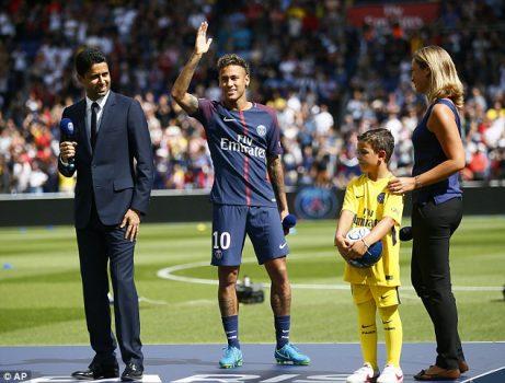 Lý do Neymar không ra sân trong trận mở màn mùa giải mới của PSG