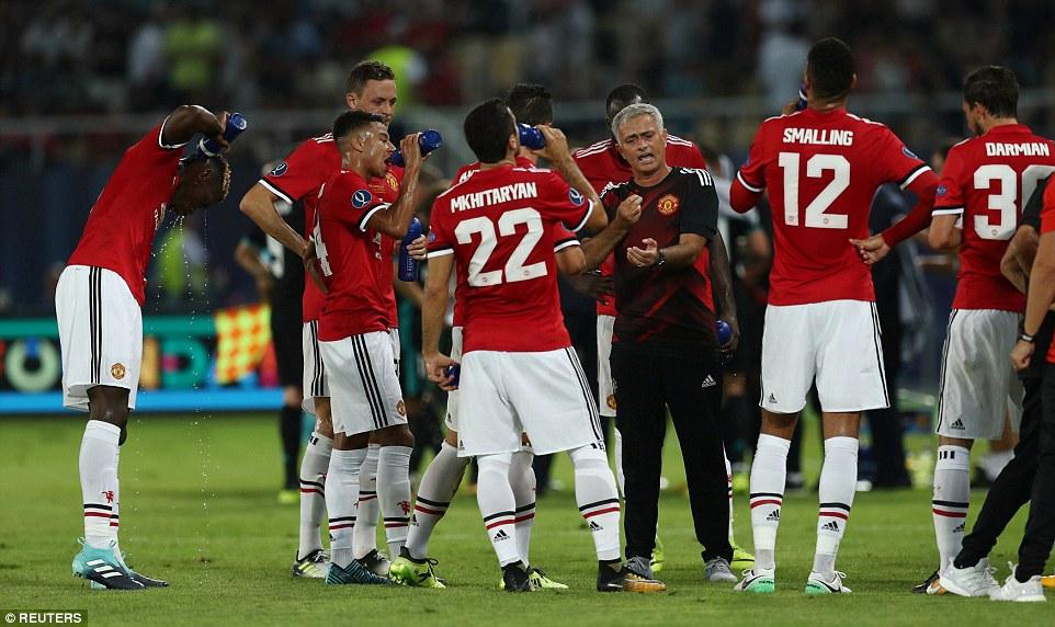 Đánh mất siêu cúp châu Âu vào tay Real, Mourinho vẫn khen ngợi 3 học trò