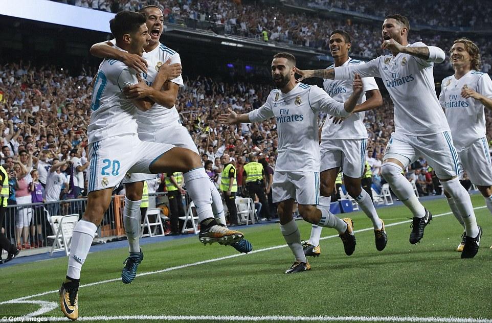 Không Ronaldo, Real vẫn dễ dàng nghiền nát Barca bằng siêu phẩm của Asensio để đăng quang Siêu Cup TBN