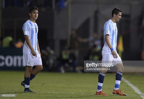 Bất chấp Messi, fan Barca kịch liệt phản đối mua ngôi sao Argentina này