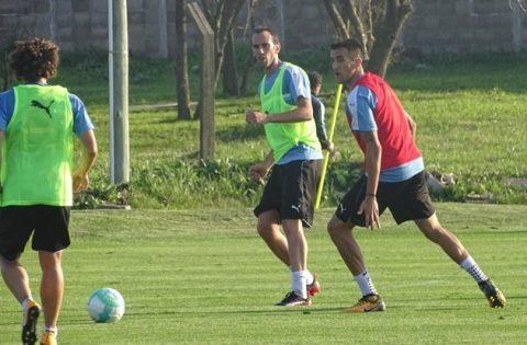 Chùm ảnh: ĐT Uruguay căng thẳng trước trận quyết định với Argentina