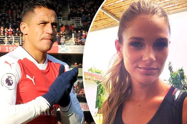 Fan Arsenal ngán ngẩm với cô bồ mới của Alexis Sanchez