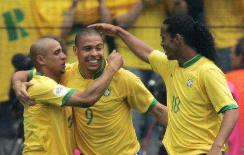 """Huyền thoại bóng đá Brazil ngồi tù 3 tháng vì định """"quỵt"""" tiền nuôi con"""