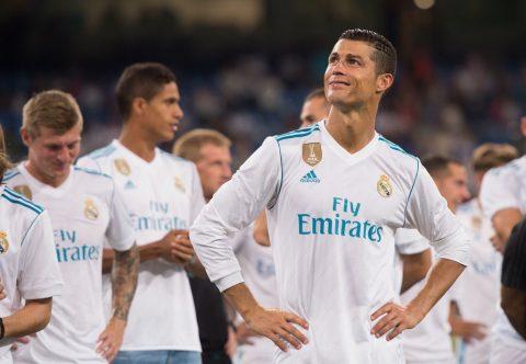"""Tiếp tục """"vòi vĩnh"""", Ronaldo đòi hưởng lương hơn 40 triệu euro tại Real"""