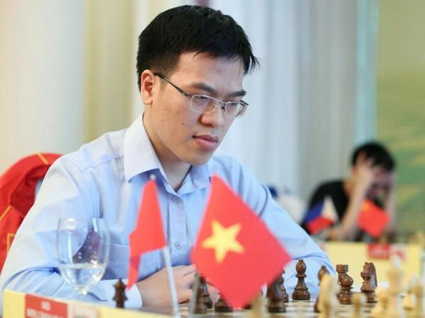 Lê Quang Liêm chịu thua trước kỳ thủ huyền thoại Garry Kasparov, tiếp tục tụt sâu trên BXH