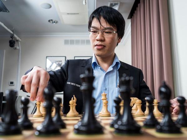 Lê Quang Liêm thắng liền 2 kỳ thủ top 10 TG trong ngày hạ màn giải Grand Chess Tour