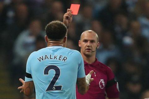 """Trọng tài điều khiển trận Man City – Everton bị chỉ trích nặng nề vì 2 chiếc thẻ đỏ """"khó hiểu"""""""