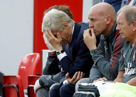 Chứng kiến Arsenal thua thảm, huyền thoại không dám nhận là người của Pháo thủ