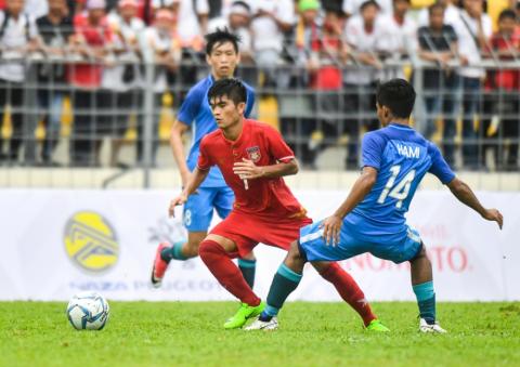 Nhẹ nhàng đánh bại U22 Lào, Singapore níu giữ hy vọng mong manh vào bán kết