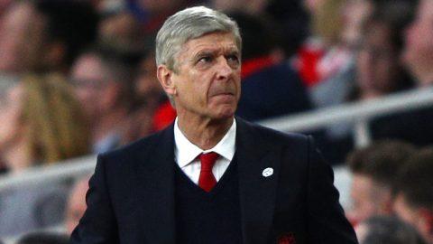 """Arsenal khốn đốn vì tình cảnh """"vừa thừa, vừa thiếu"""""""